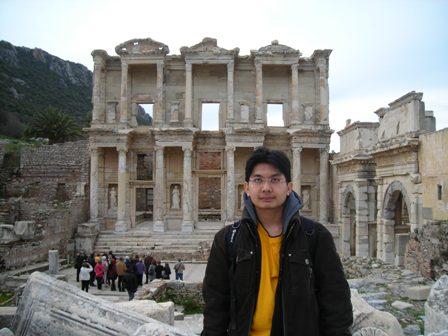Binaan perpustakaanEphesus.
