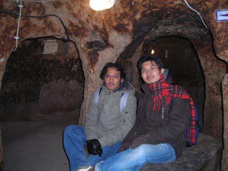 Inilah kota bawah tanah.Aku tak ingat tingkat keberapani.
